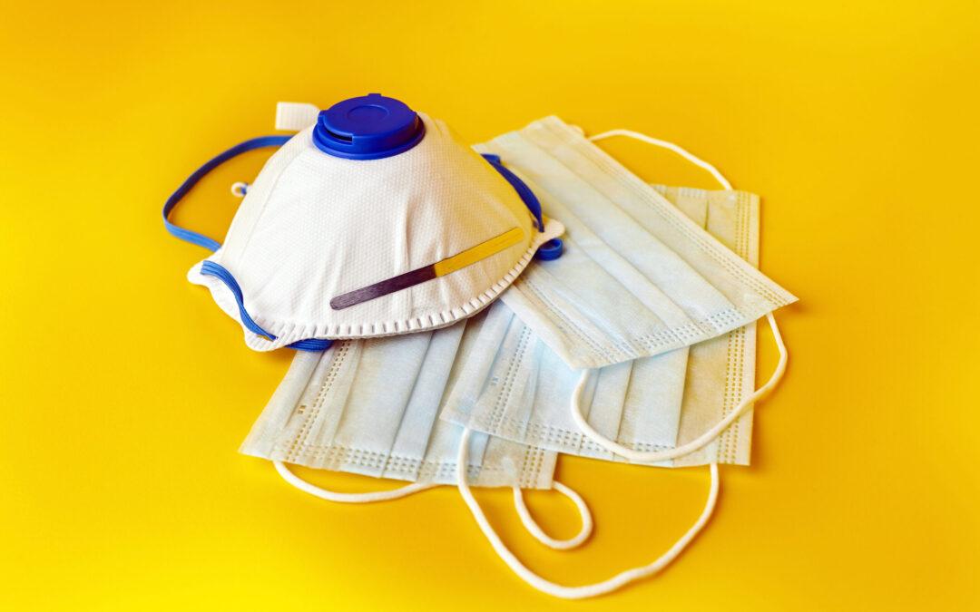 Verteilung von medizinischen Masken an Bedürftige